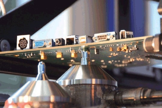 選擇性波焊錫爐(Selective Wave Soldering Machine)】的優缺點。圖片為網路上取用,如果侵權請告知移除或合作配合事宜。