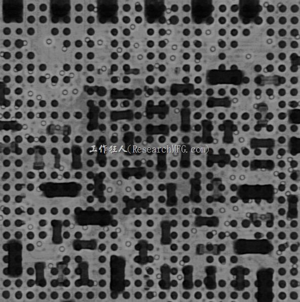 這是一張CPU的BGA經過Reflow以後失效的X-Ray照片,因為苦主說這顆BGA不能作動,但是只要用手壓在CPU的上面就可以恢復正常運作。因為沒有實際看到產品,但是從整體描述來看應該是典型的BGA空焊問題,看倌門是否可以從上面的X-Ray照片中看出錫球有何問題呢?
