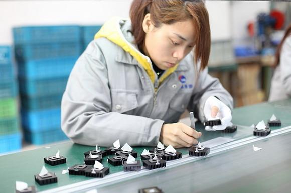 製造生產的整機組裝生產線如何自動化?自動組立容易?還是自動測試